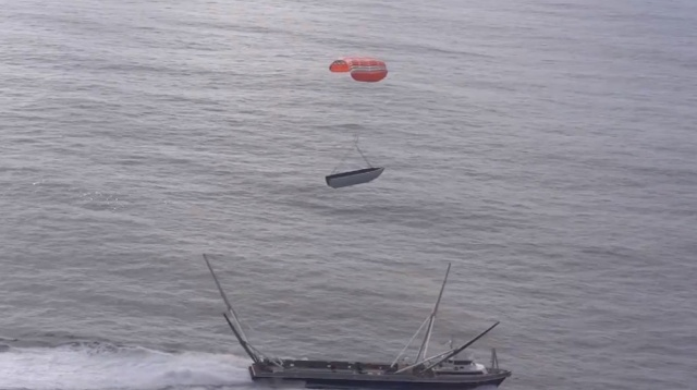 SpaceX Catches Both Halves Of The Nosecone Fairing After Falcon 9 Launch - Ravzgadget