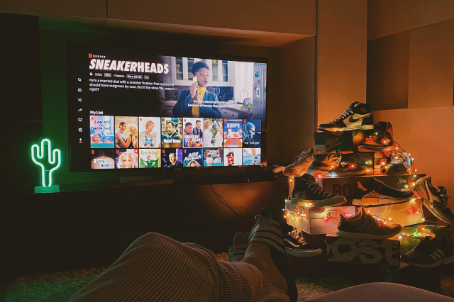 Netflix Explains How It Uses AI To Sell Hundred Of Original Movies To You - Ravzgadget