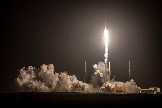 SpaceX Launched More 60 Starlink Satellites But Couldn't Stick The Landing - Ravzgadget