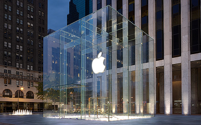 Apple Reopens All Of Its 270 US Stores To The Public - Ravzgadget